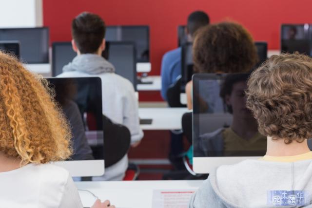 美科技业奇观:编程培训班正取代大学计算机系